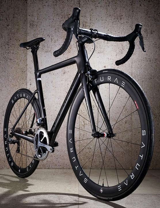 The Toray T800 carbon frame has a slender profile