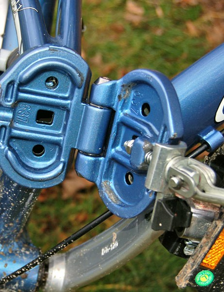 Folding mechanism innards