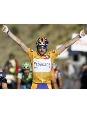 Denis Menchov (Rabobank) wins stage 10