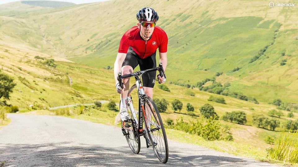 Should you sit or stand when climbing? - BikeRadar