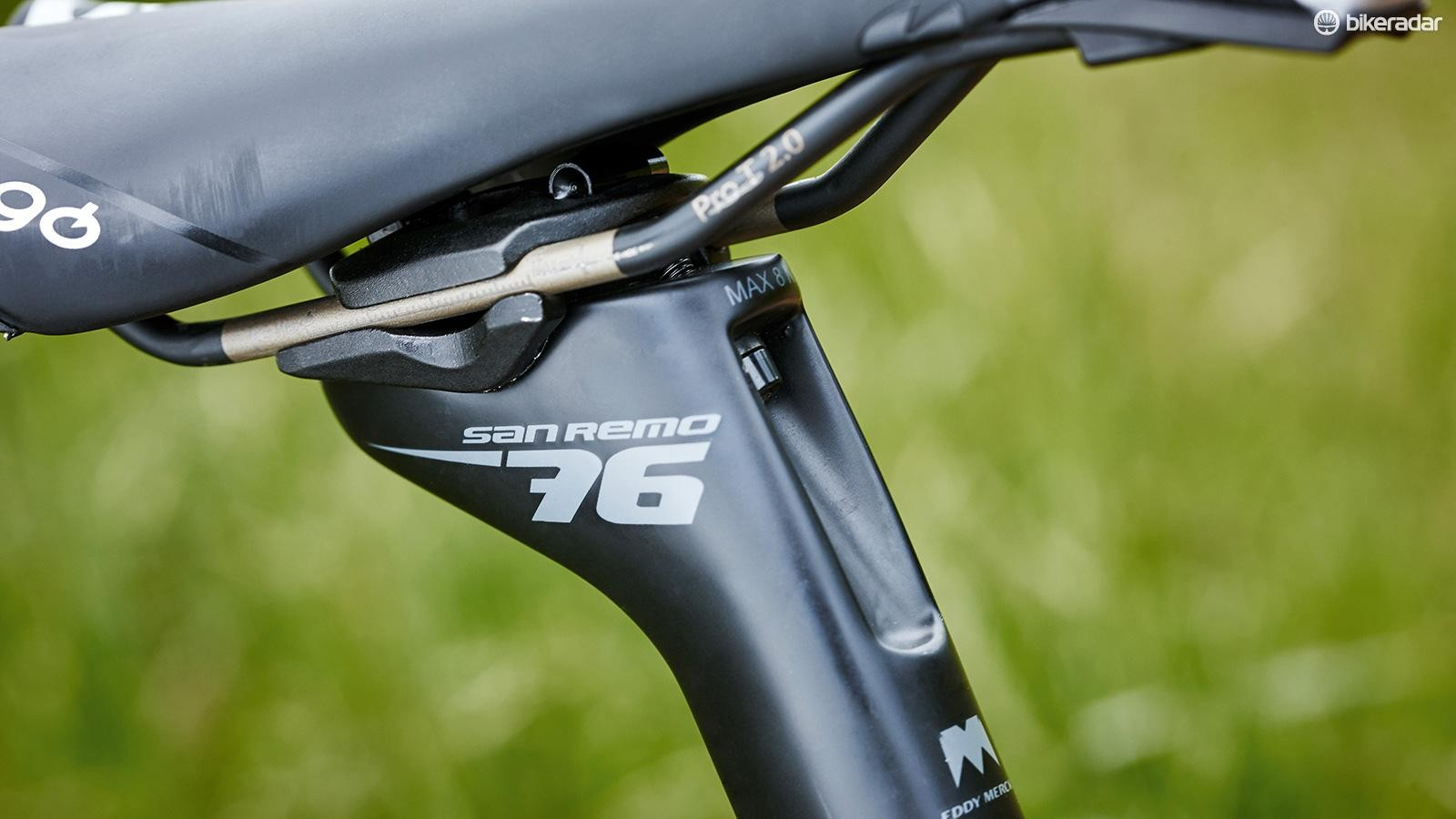 Prologo Scratch saddle makes up part of the top-end finishing kit