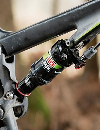 A bar-mounted hydraulic lockout lets you firm up the Monarch XX shock and the fork too