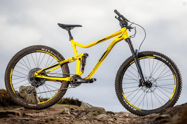 Merida knows its onions when it comes to frame design, and the One-Forty is built from its latest 'Superlite 16' tubing
