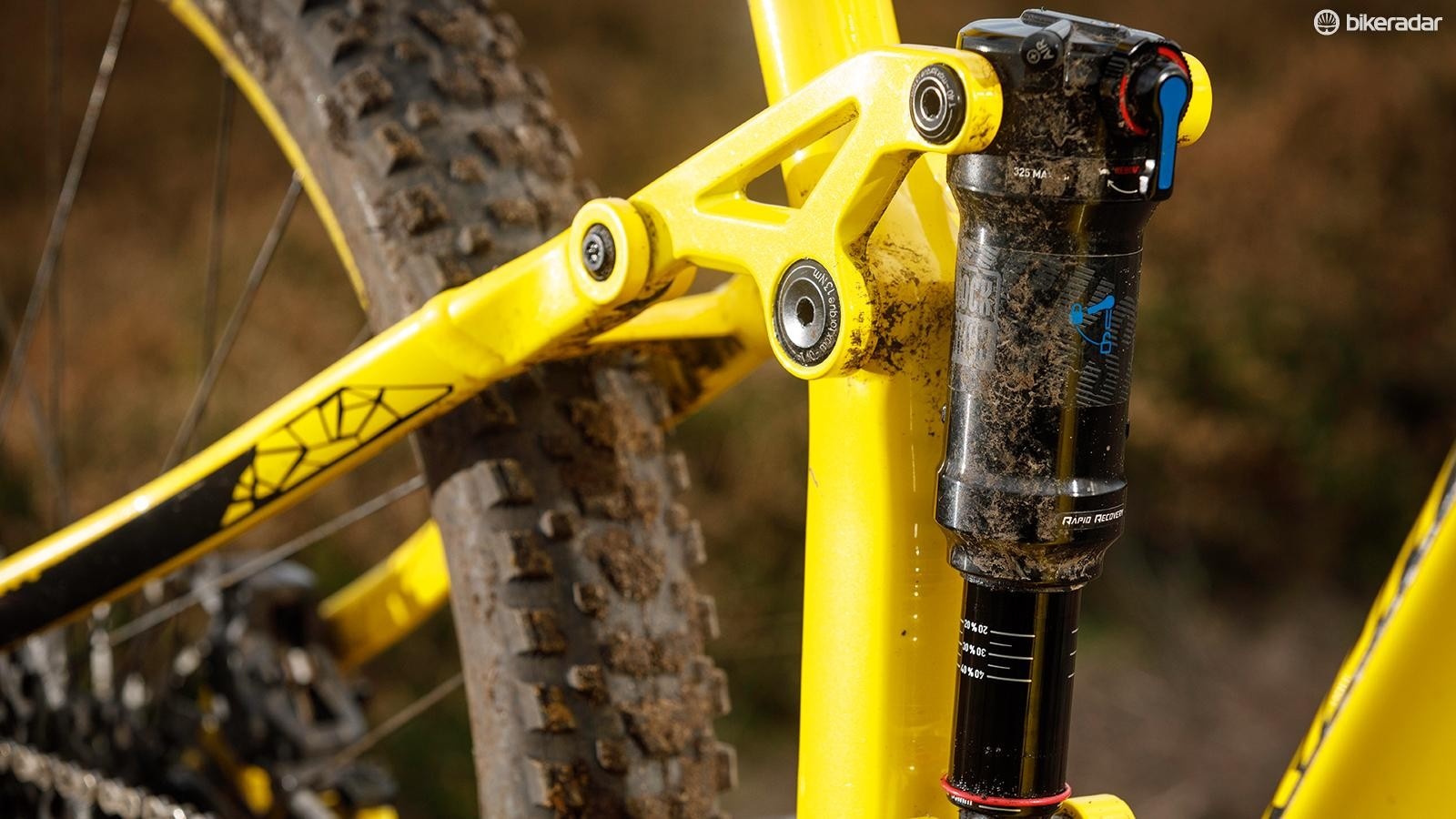 The 'floating' shock (it's attached to the linkage at both ends) delivers a supple feel