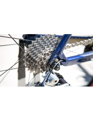 Neat gear cable exits on the chainstay