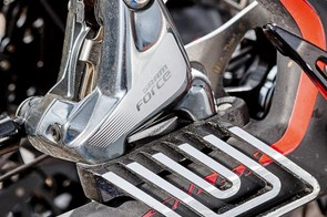 Forged alloy disc-cooling fins reduce brake heat
