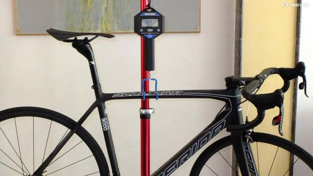 Merida's Scultura 9000 LTD weighs in here at 4.56kg or 10.05lb, well under the UCI legal limit