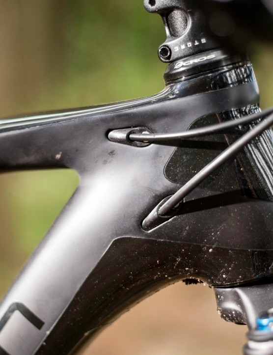 The frame is compatible with cable and Di2 shifting, and there's internal routing for a dropper