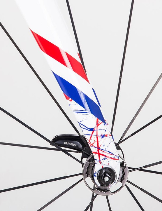 The fork dropouts features the splash design and are edged with the three-colours of the British national champion