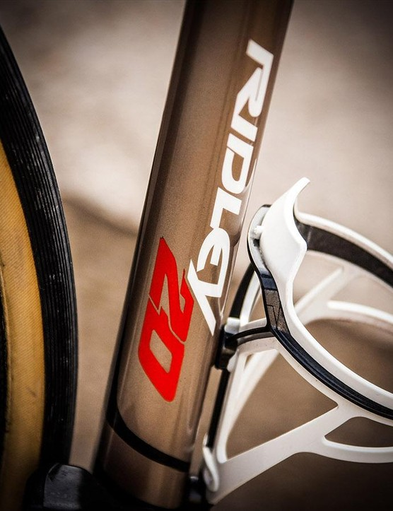 The gold seat tube has contrasting decals to catch the eye