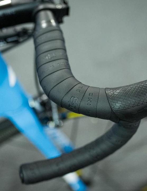 Black Inc also provides the team with subtle, black handlebar tape