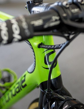The cable routing on the Cannondale Super Six Evo HiMod is tidy at the front