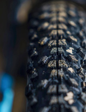 The low treaded Maxxis Ardent is a fast roller but it isn't tubeless-ready, has a wire bead and uses the firmer single compound rubber, which isn't great in the wet
