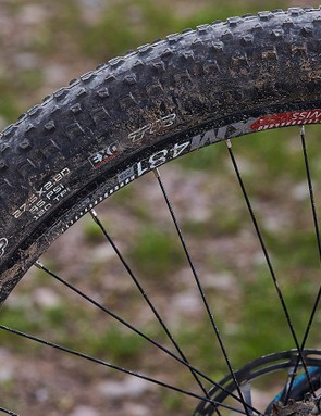 The Maxxis Ikon out back is prone to a little spinning under motor power on slippery climbs