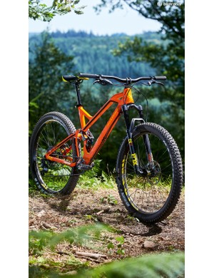 The Factor's 'Zero' suspension system is a modified version of the set-up first developed for Mondraker's Summum DH bike