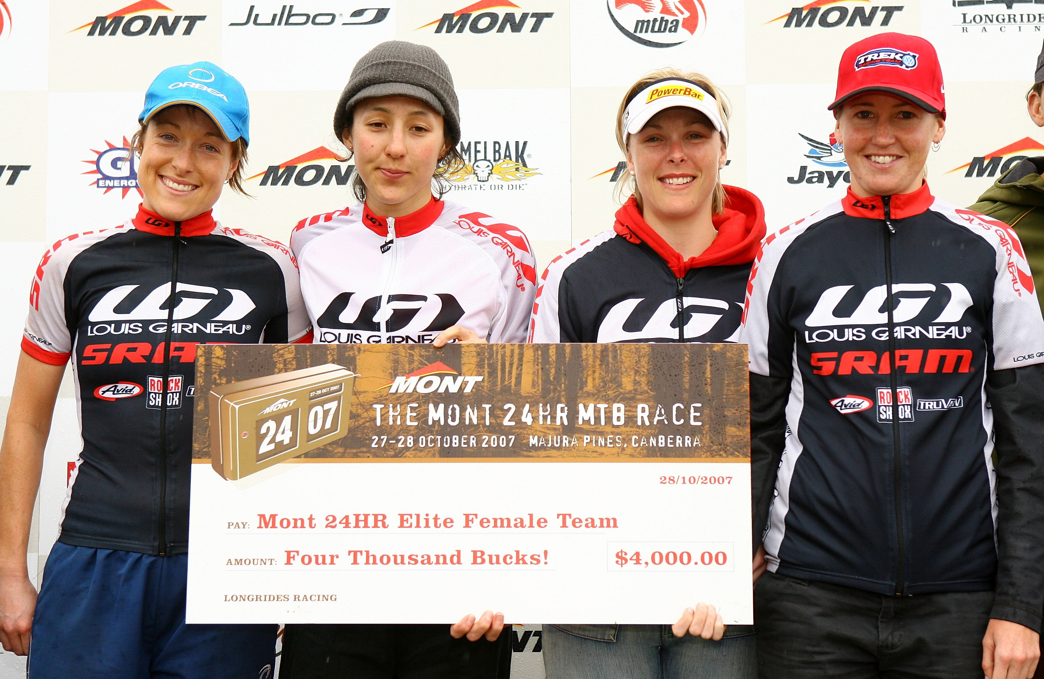 The winning women's elite team, Brazilian Butterfly: Tory Thomas, Rowena Fry, Katherine O'Shea and J