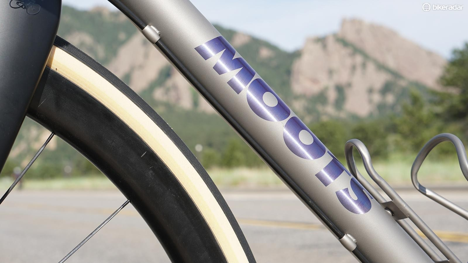 While most companies opt for internal routing, Moots keeps the hydraulic lines external