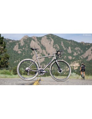 The Moots Vamoots Disc RSL is a titanium road race machine with room for wide tires