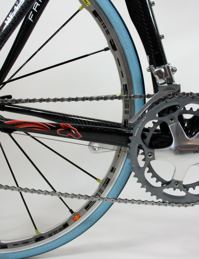 The drivetrain on our MF-1 is all Shimano Ultegra - it works well but a frame of this calibre deserves better