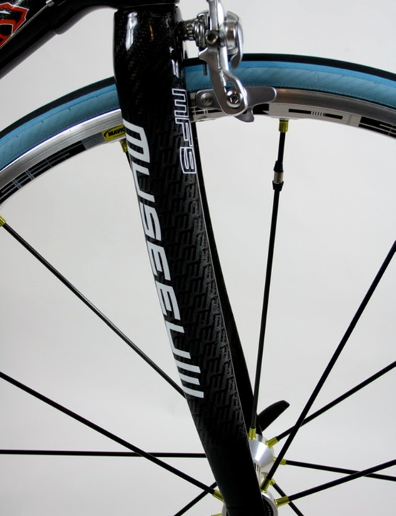 The Museeuw MF-9 fork is also built from carbon and flax fibres