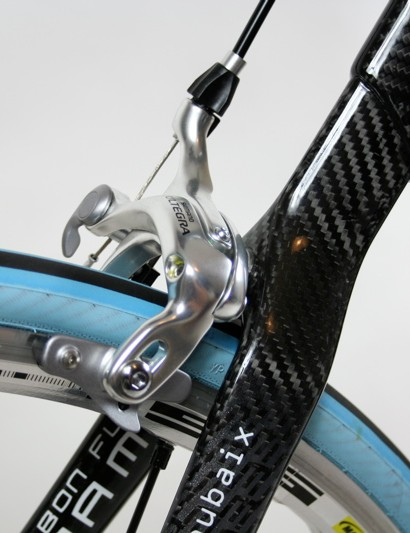 The wishbone seatstays join the seat tube lug in a single monostay