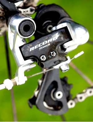 Campagnolo's Record Carbon 10-speed performed to its amazing and benchmark standard