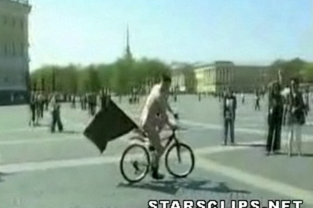 Naked bike protester goes solo in St Petersburg