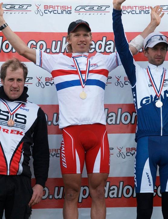 Men's elite podium - Killeen [centre] Beckingsale [right], Ian Wilkinson [left]