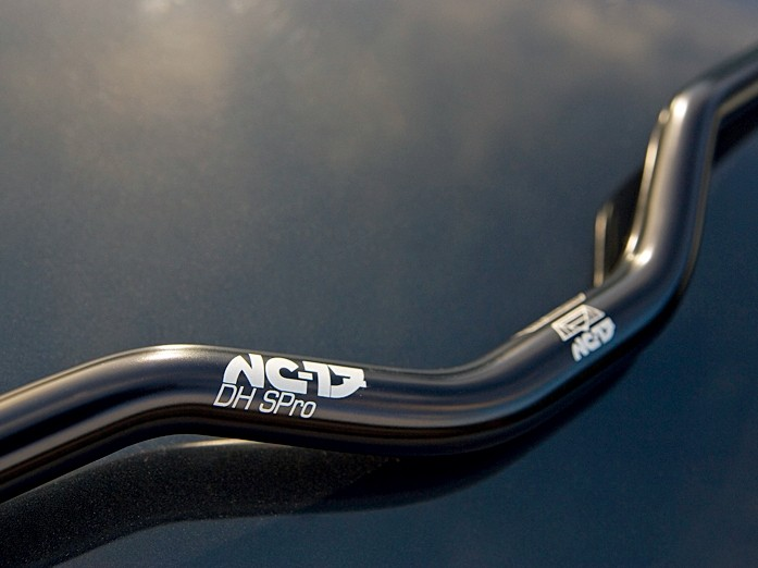 The Super Pro Handlebar doesn't feel out of place on a downhill bike.