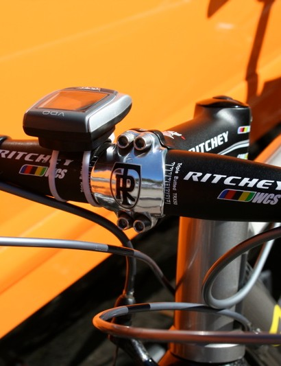 The chrome front plate of the Ritchey WCS 4Axis stem is held in place by four stainless steel bolts.