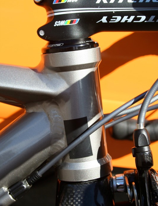 Unlike the off the peg bikes the Halfords Bikehut team have aggressive geometry and 100mm head tubes