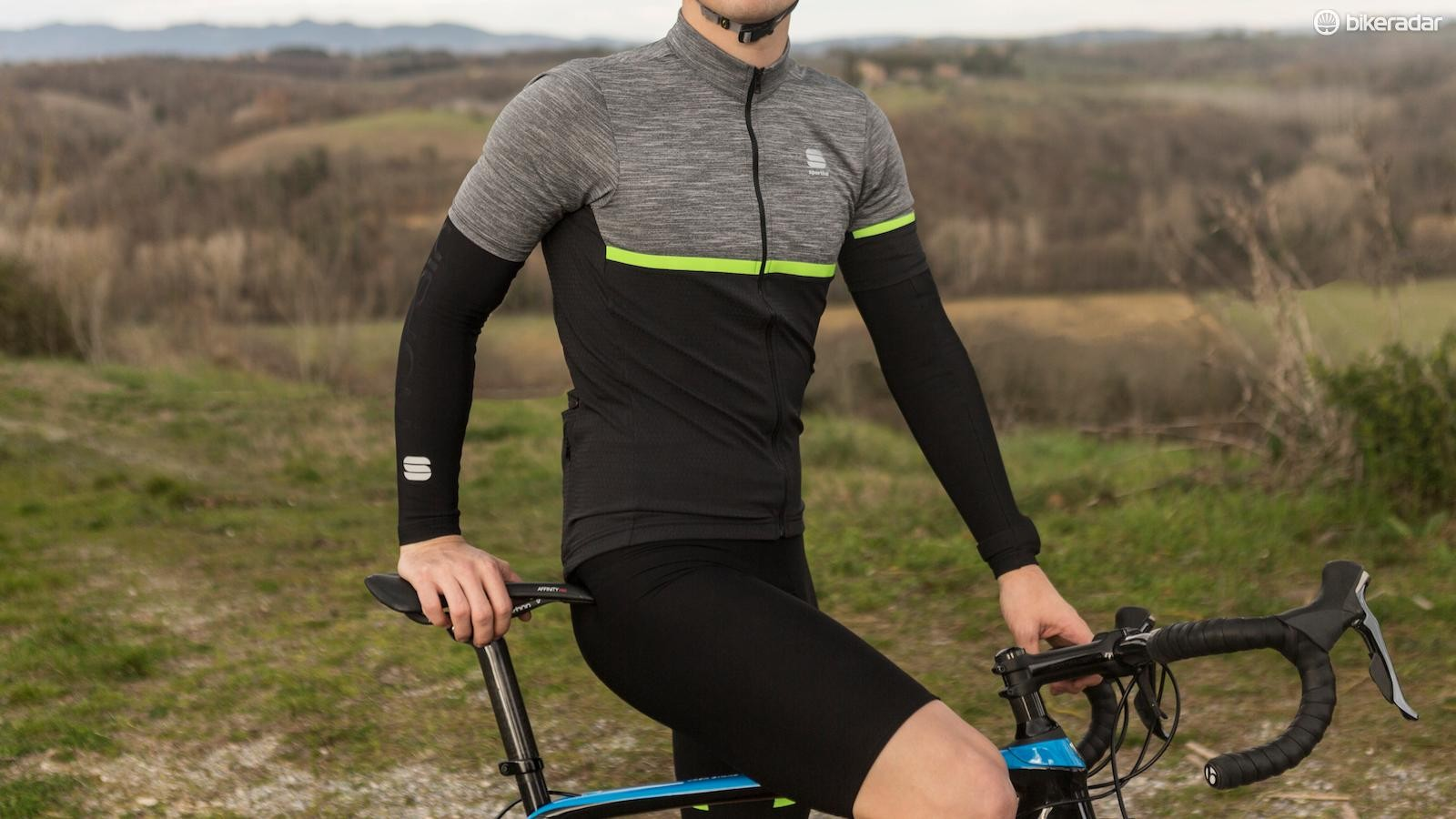 Whilst Sportful's tailored cut remains, the Giara range has a more relaxed fit