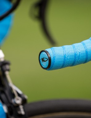 Oliveria's bars are wrapped in Lizard Skins DPS bar tape