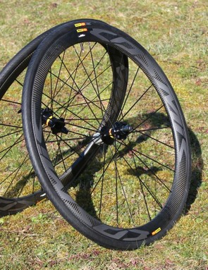 The disc versions of the new wheels looks quite similar to the rim versions, but the graphics run the full width of the rim since there is no brake track