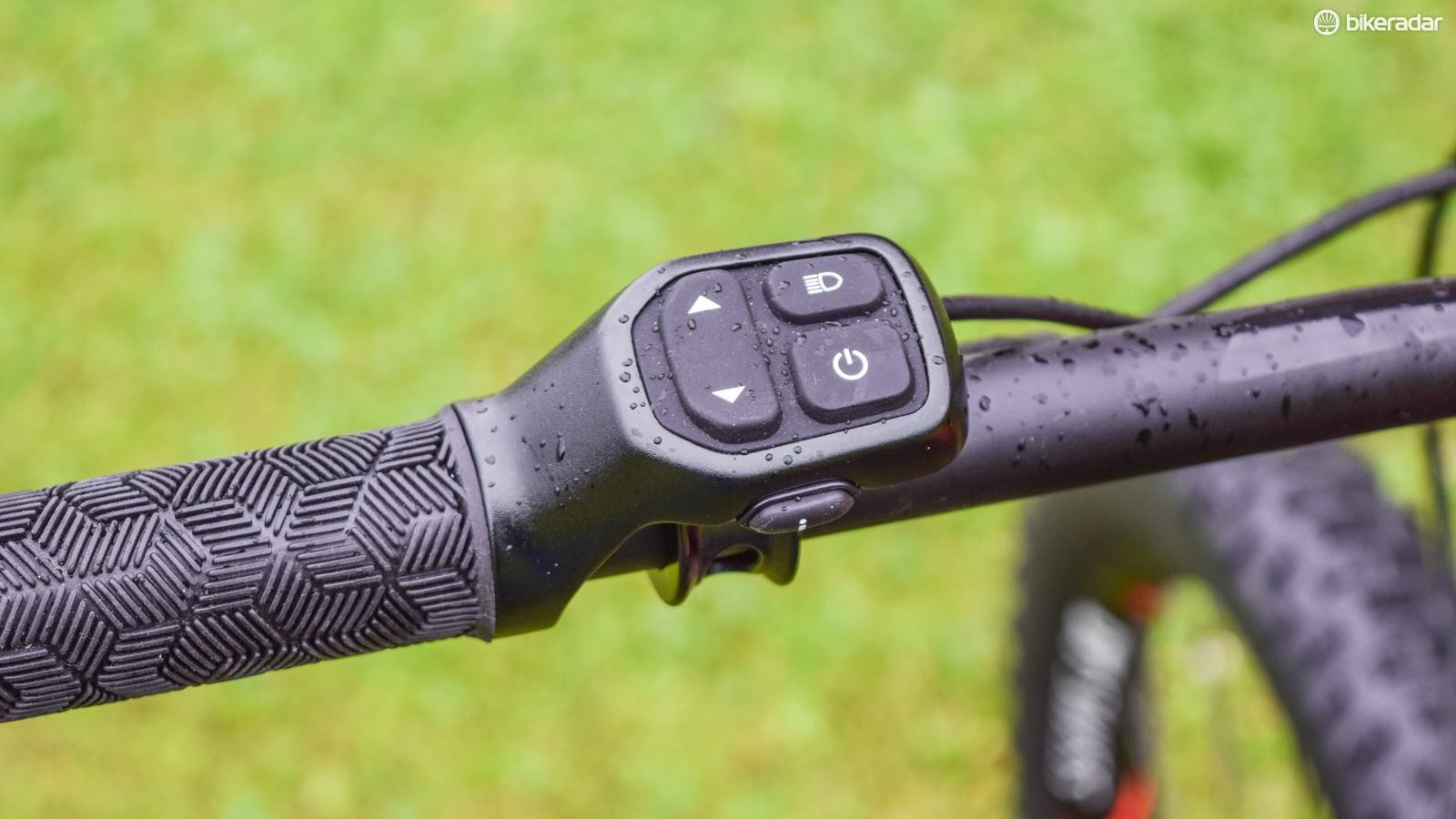 The RideControl control unit integrates with the grip lockring