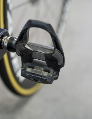 Eg chooses Shimano Dura-Ace pedals