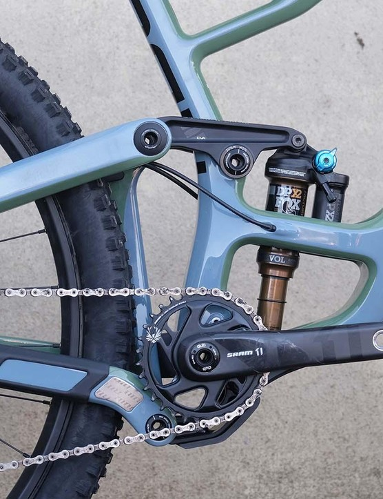 The linkages create a virtual pivot point, but Niner wouldn't share its suspension kinematics with us