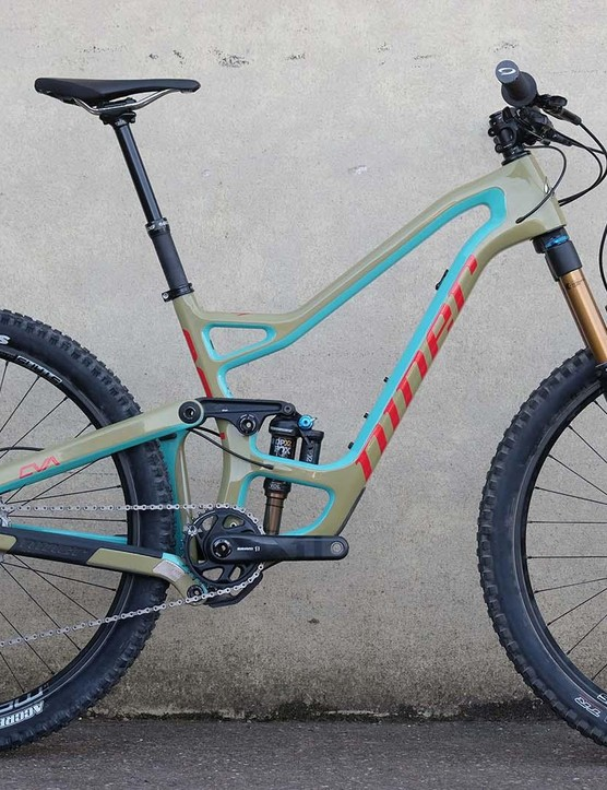This is the 27.5-inch version of the bike and the first Niner to have 650b wheels