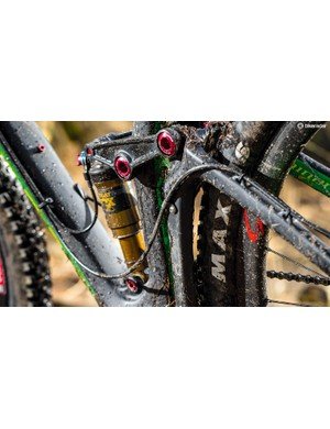 Control the rear shock without having to take your hand off the grip