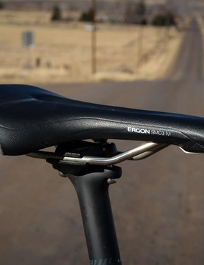 The stock saddle was replaced with the very comfortable Ergon SMC3