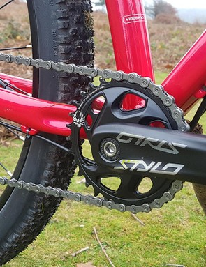 We had no issues with chain retention on the Stylo crank
