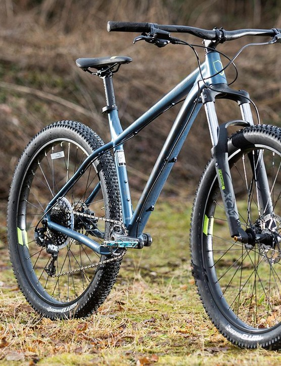 The XCM fork struggles to provide either smooth control or full travel, especially in colder weather