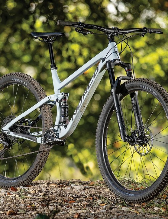 Getting 12-speed SRAM NX Eagle and a 150mm dropper as standard is awesome for the price