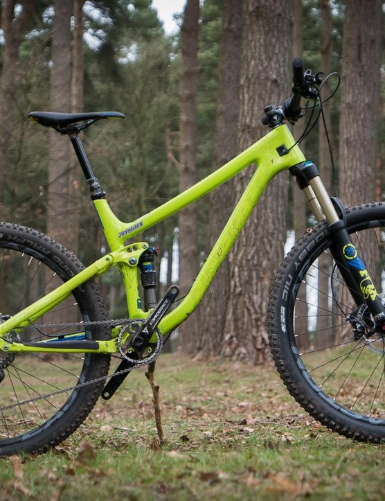 The Norco Optic in 27.5 flavour has slightly less reach and slacker angles than the wagon wheeler, as well as slightly more travel