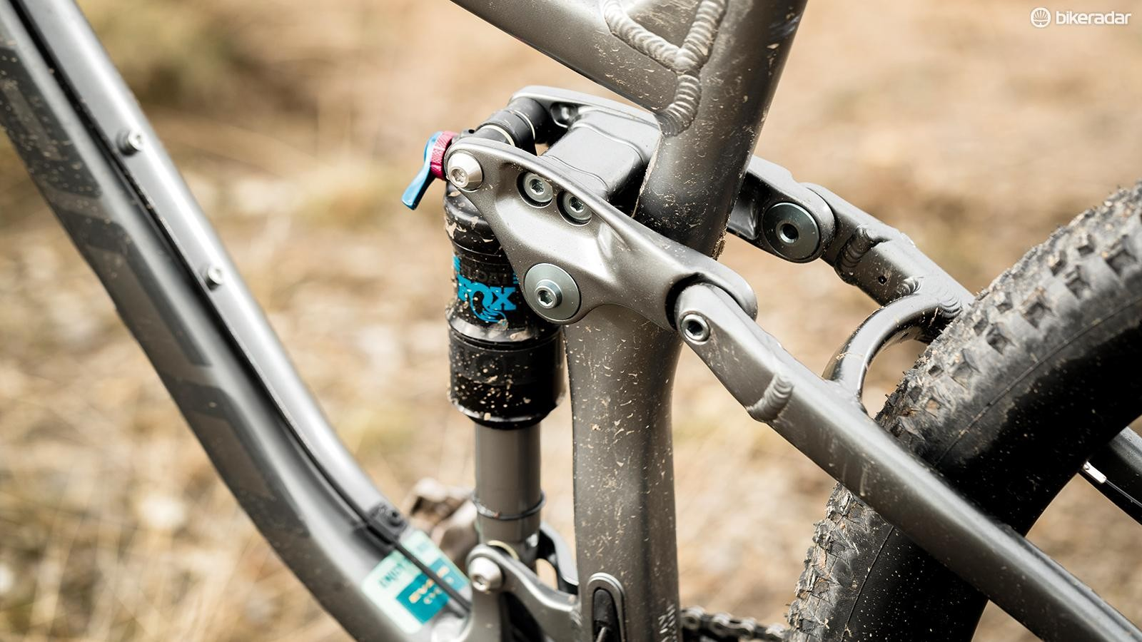 A Performance Fox Float shock at the rear is combined with a Performance 34 fork up front