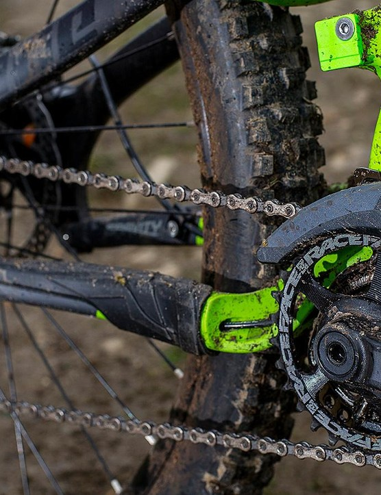 The SRAM / Race Face drivetrain is perfectly decent, though again some of the competition are a spec level above