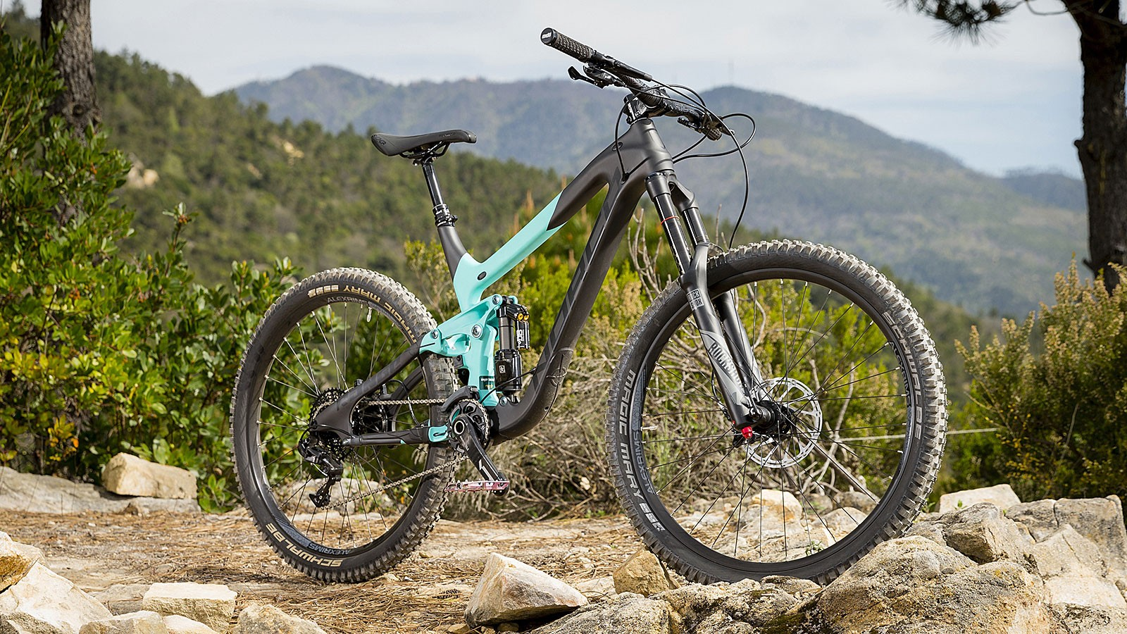Norco's Range C7.2 has a pleasingly simple and reassuringly solid profile