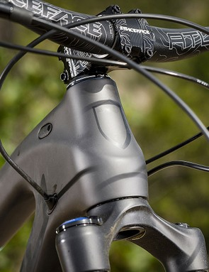 The slack 65.5-degree head angle helps keep things calm when the going gets steep