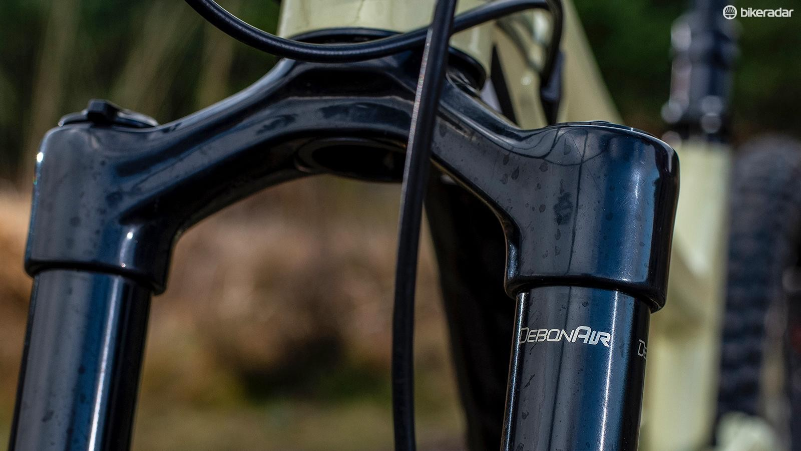 RockShox' DebonAir spring gives great small bump sensitivity