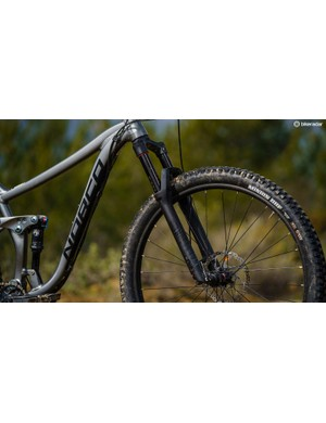 A RockShox Pick RC props up the front end for a confident ride